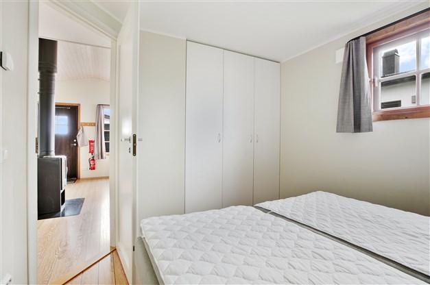 Sovrum 1 har tre garderober