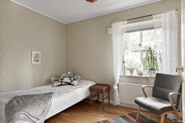 Sovrum med garderob