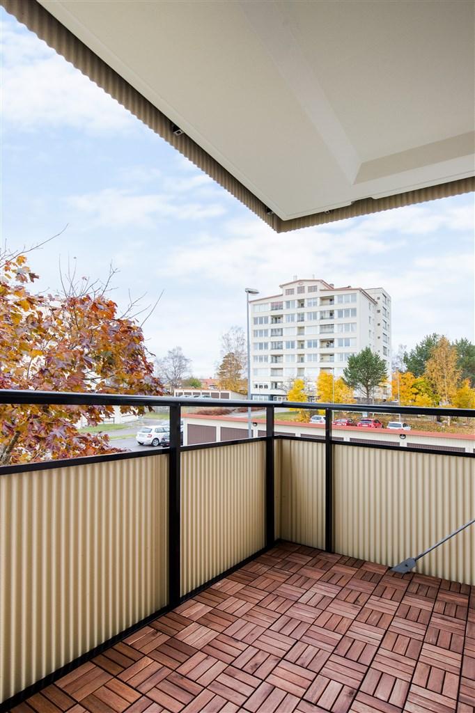 Stor balkong i västläge