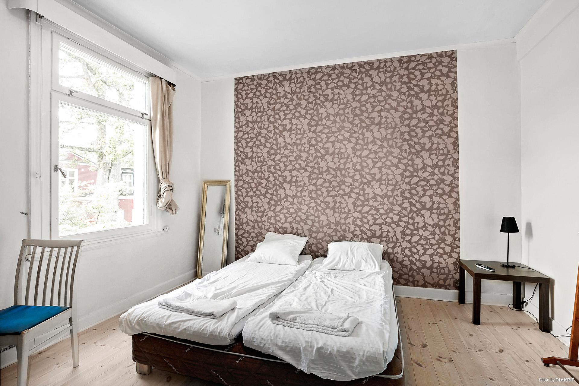 Ett av sovrummen på plan 1