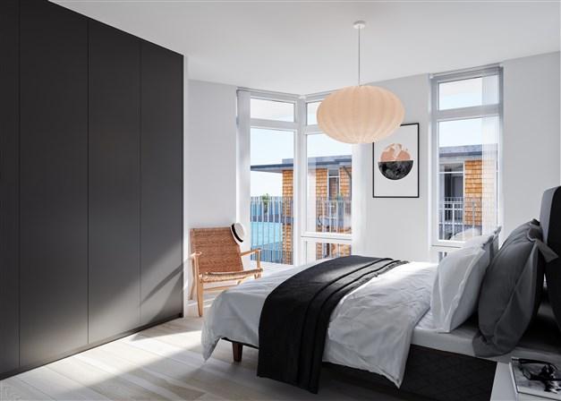 Låt vågornas brus vagga dig till sömns i en ljus och avslappnad miljö. En snygg detalj är det vinklade fönsterhörnet som ger ytterligare siktlinjer och ljusinsläpp.