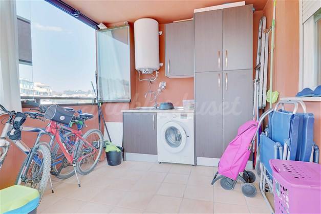 Tvättrum med bra förvaringsytor