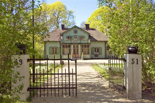 Herrängens gård i närheten - kan hyras för fest och högtider