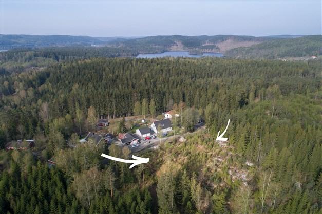 Två sjönära tomter på Vikaliden