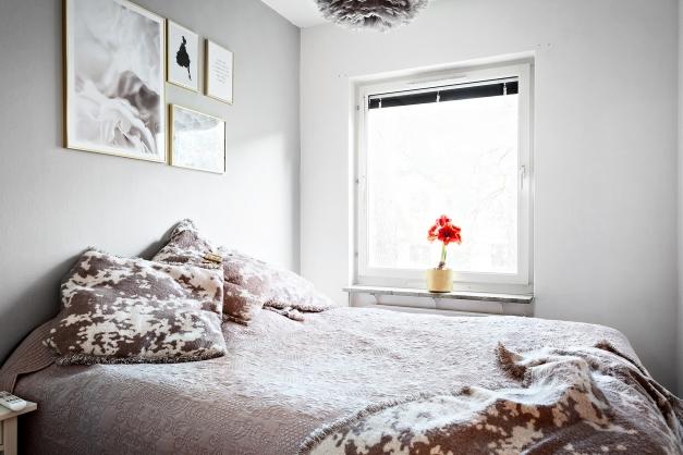Sovrummet rymmer en dubbelsäng