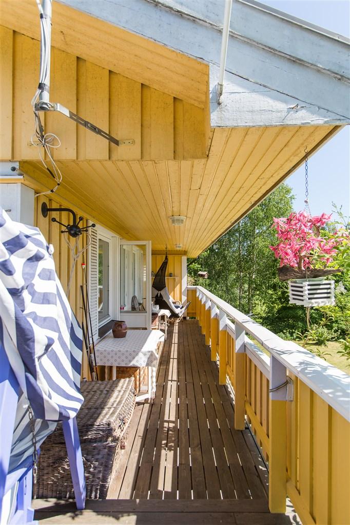Balkong på entrévåningen