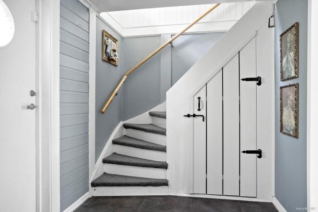 Hall trappa upp