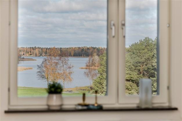 Utsikt köksfönster