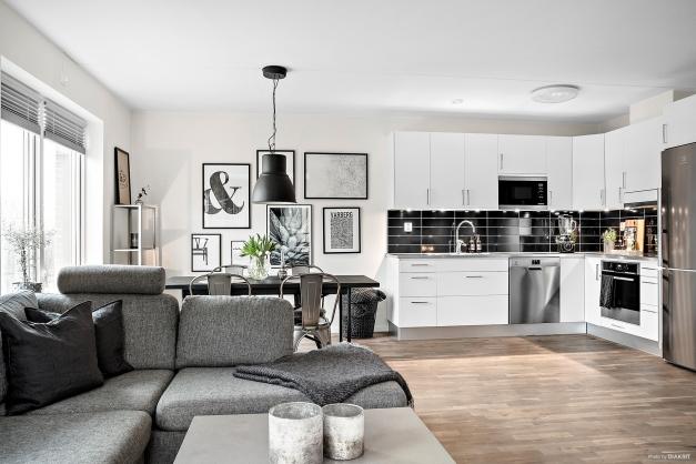 Välkommen in till ett mycket smakfullt hem om 2 rum och kök!