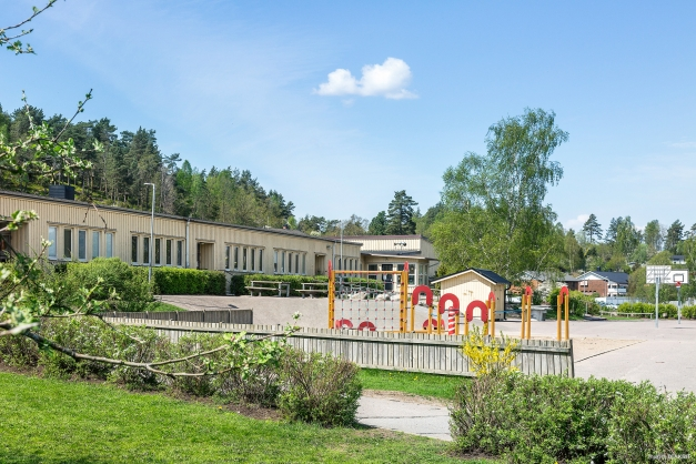 VALÅSSKOLAN - Gångväg