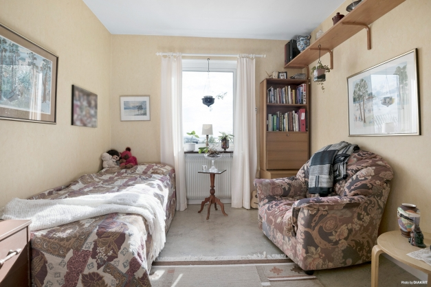 3,5 ROK Sovrum innanför vardagsrum i lgh 1201
