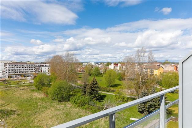 Utsikt från balkong våning 6 av 6