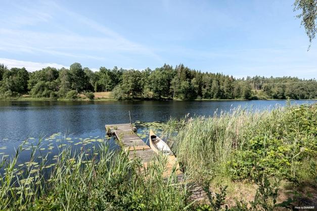 Några få steg till fiske/badsjö.