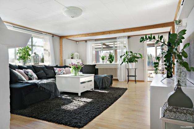 Vardagsrum med utgång till takterrass