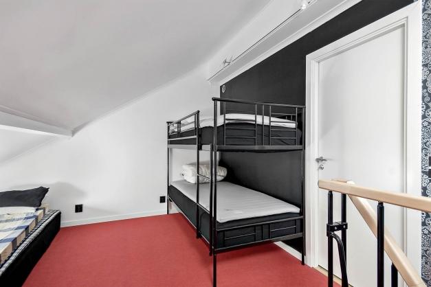 Sidobyggnad - sovrum/loft