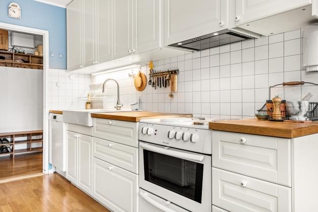 Kök med bra förvaring och goda arbetsytor