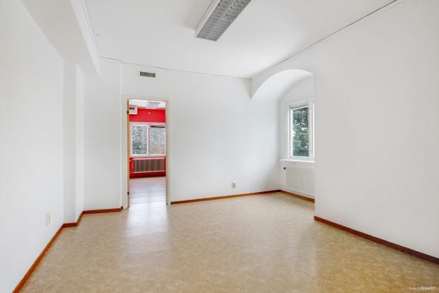 Vardagsrum i lägenhet på övre plan