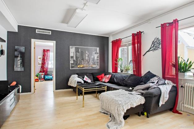 Vardagsrum i lägenhet på entréplan