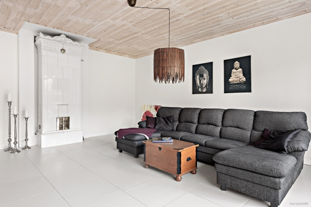 Vardagsrum med kakelugn