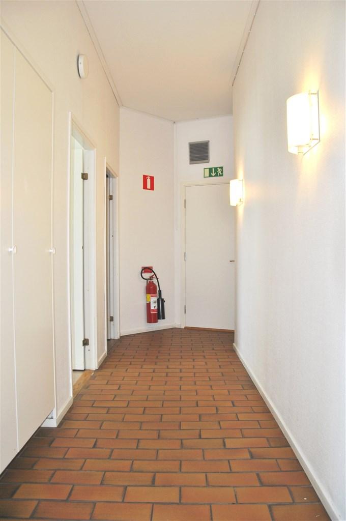 Del av korridor hos körskolan