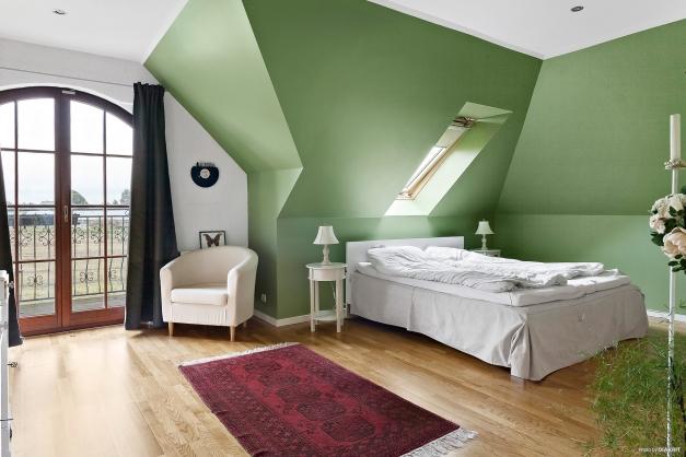 Sovrum 4 med balkong