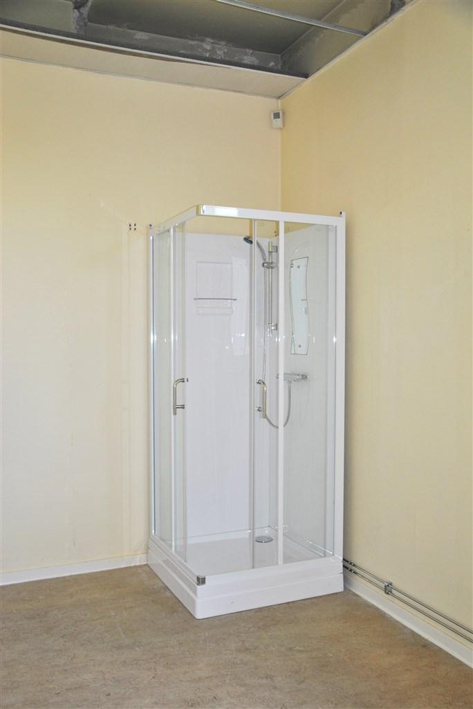 ...med dusch i lägenheten