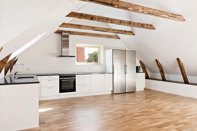 Kök i kombination med vardagsrum alternativt kök och stor matplats