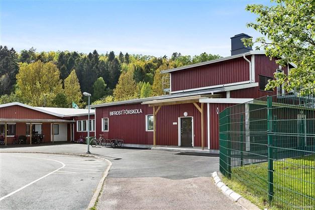 Bifrost förskola - ligger på kort promenad i från bostaden.