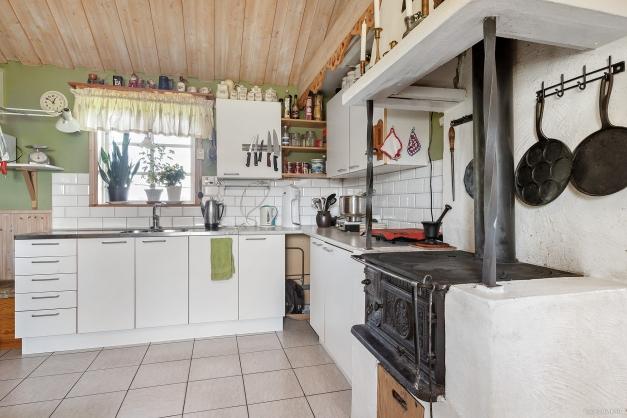Kök i vinkel i utbyggnad