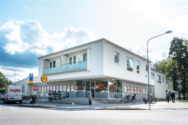 ICA Älvsjö med fin-fin delikatessavdelning och bistro