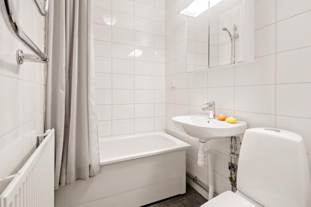 Helkaklat badrum, renoverat i samband med stambytet