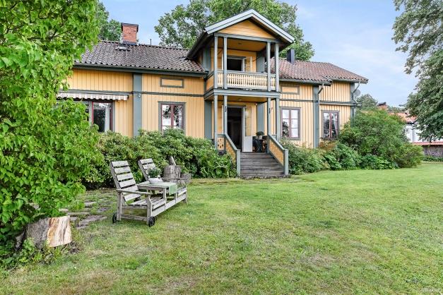 Villa på havstomt - Nybergsallén 15
