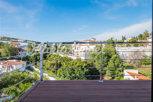 Villa 1 - balkong utanför sovrum 1 och 2
