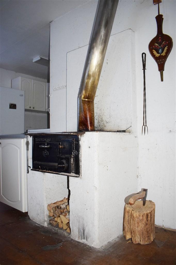 Vedspis i köket