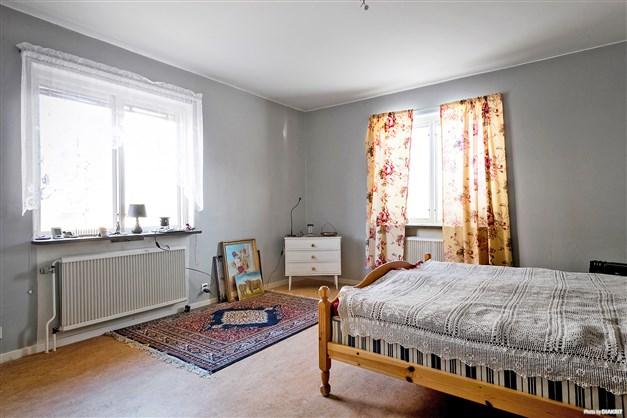 Exempel på sovrum med plastmatta.