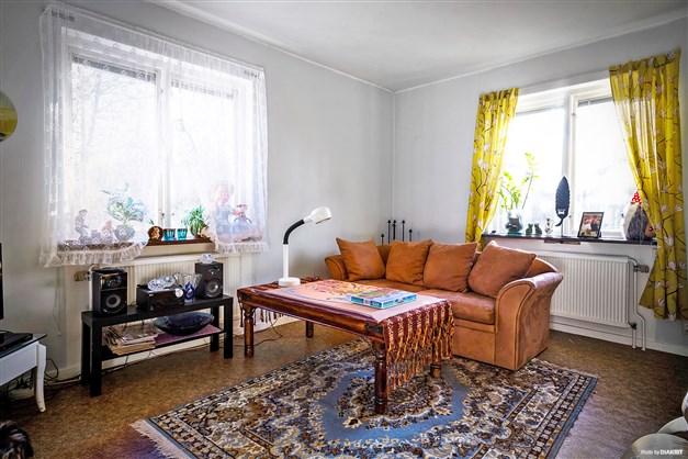 Exempel på vardagsrum med plastmatta.