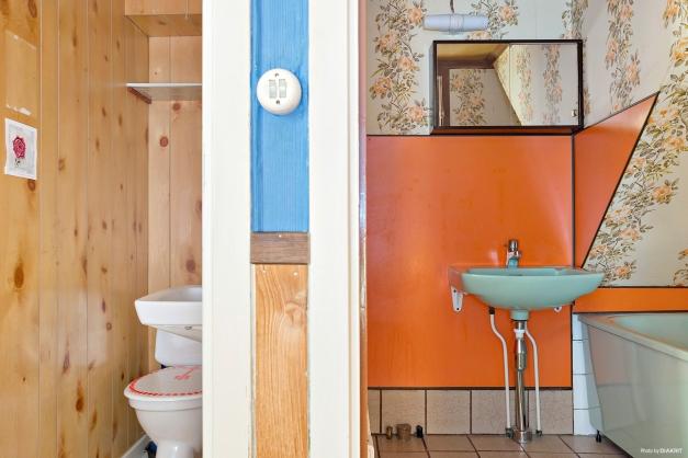 Toalett och badrum