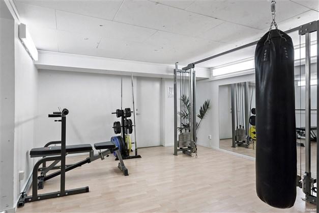 Gym med konditionsavdelning och utrustning för styrketräning  - Föreningens gemensamma utrymme