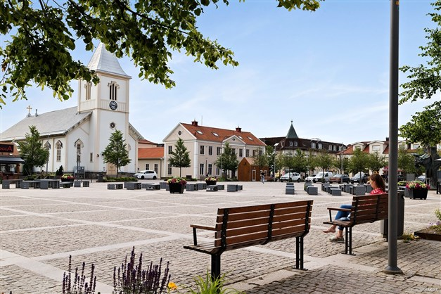 Kungsbacka innerstad - med flertal restauranger, fik och butiker.
