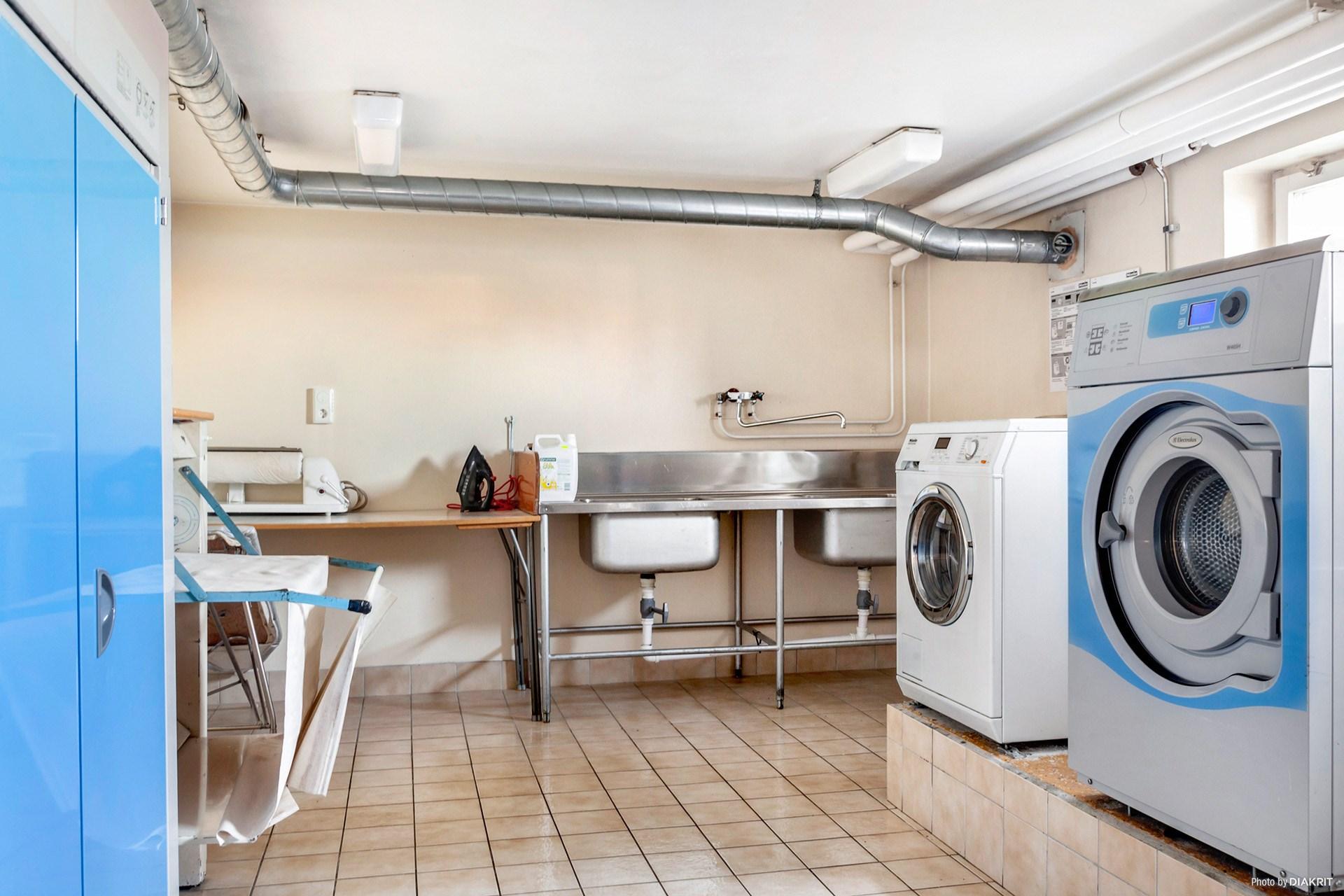 Tvättstuga i samma hus.