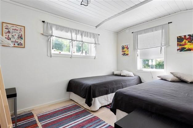 Sovrummet vid vardagsrummet