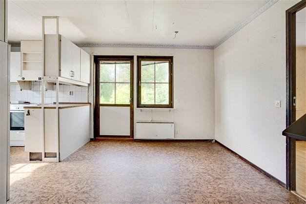 I matrummet finns plats för större köksmöbel.