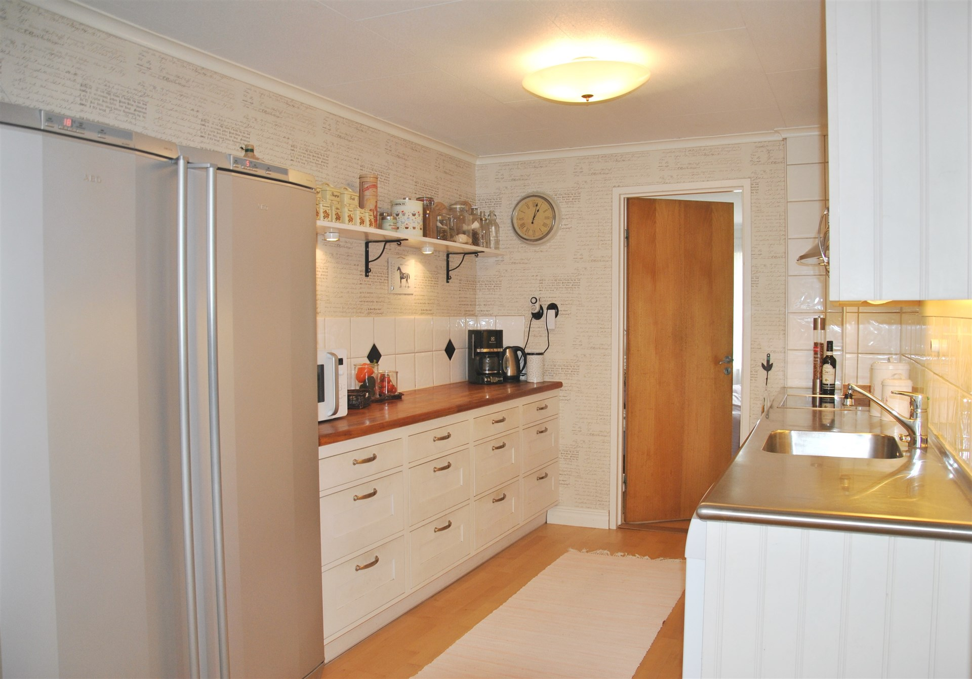 Kök med dämpade luckor/lådor