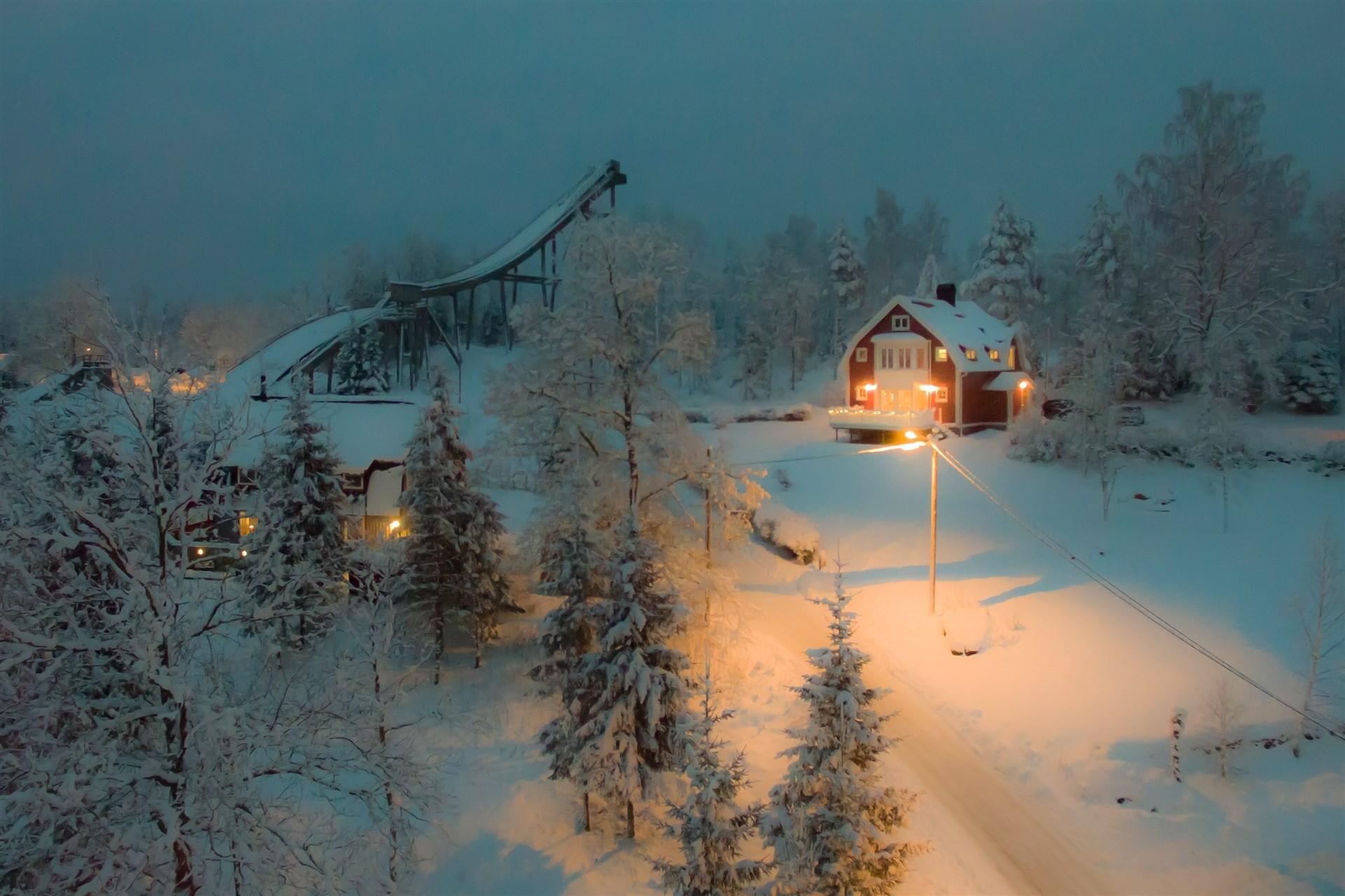 """Villa """"Granhem"""" i vinterskrud"""