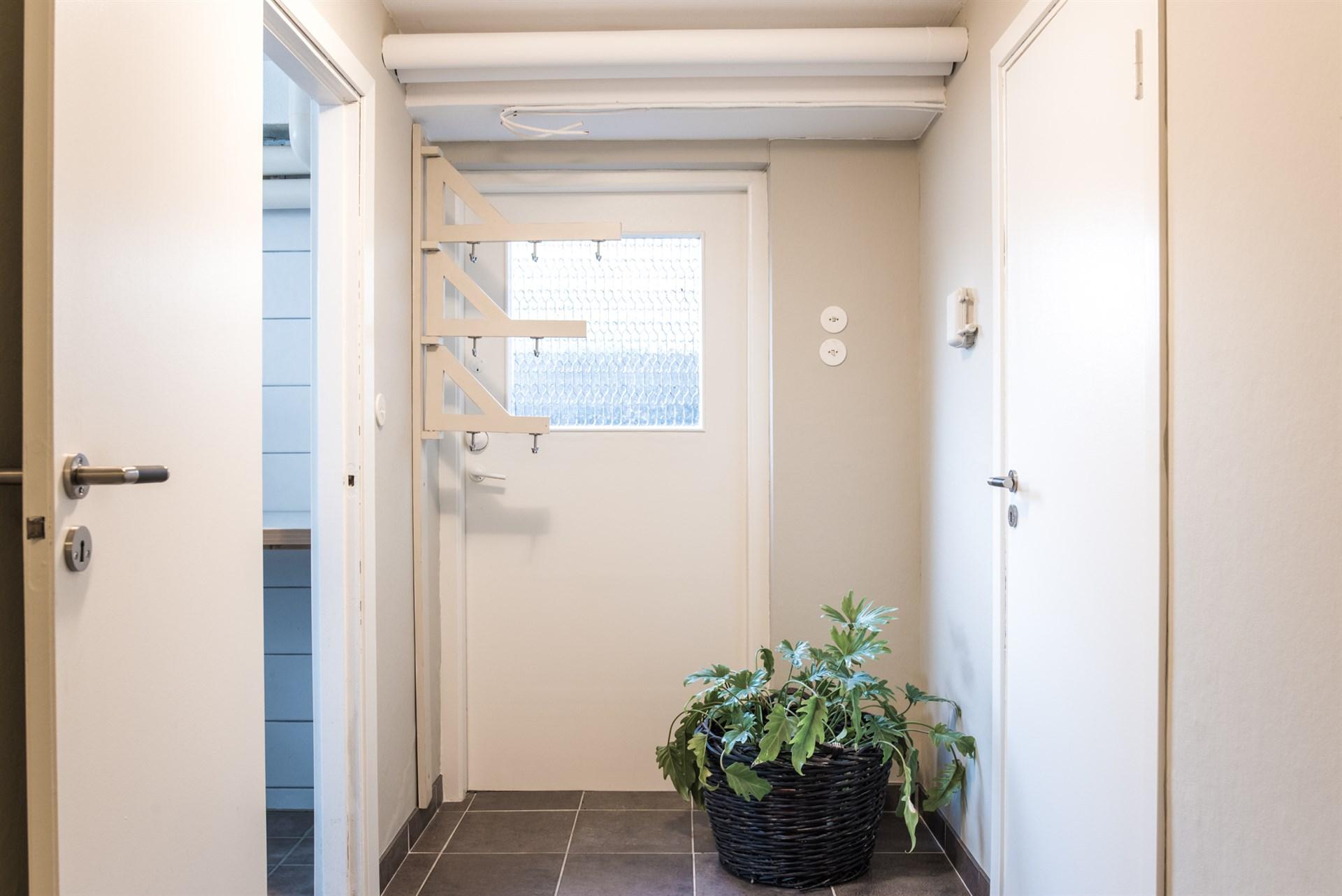 Grovingång/hall etage ned