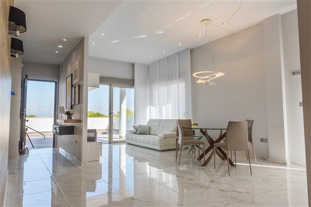 Exempelbilder från den lite större modellen Innova Villa