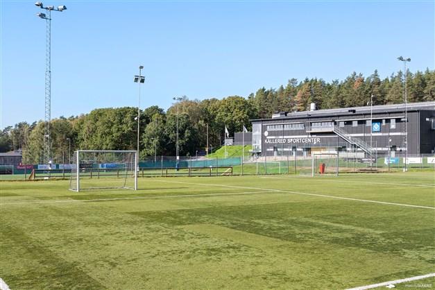 Kållereds ishockyhall samt fotbollsplaner.