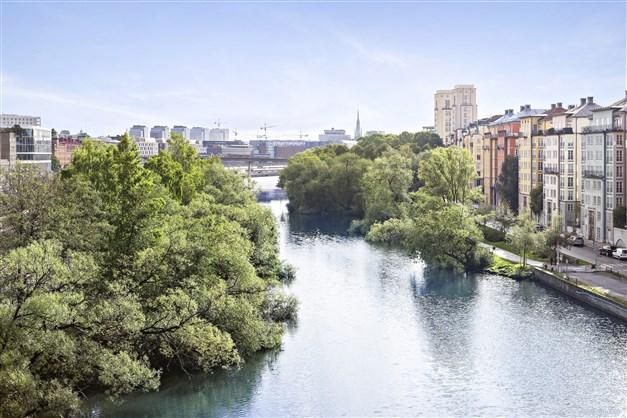 Karlbergskanalen nedanför fastigheten