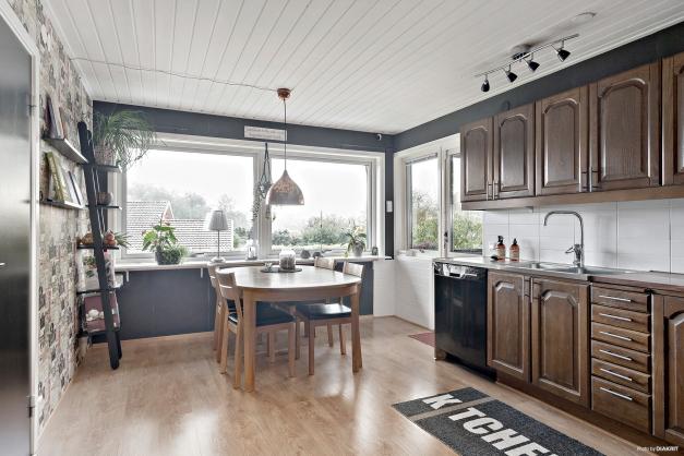 Från balkongen kan du tassa in i köket