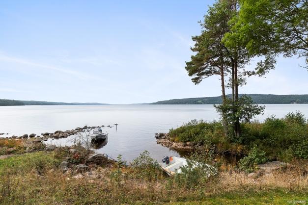 Med en kort promenad nås sjön Lygnern